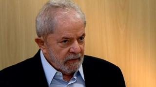 O ex-presidente Lula dá entrevista