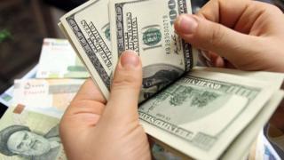 بر اساس گزارشها قیمت دلار در بازار آزاد ایران به حدود چهار هزار تومان رسیده است