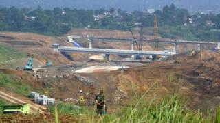 Puente en Indonesia construido en el marco del proyecto de la Nueva Ruta de la Seda.