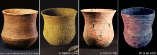 Nền văn hóa từ Đông Âu đem tới đảo Anh chừng 4500 năm trước các bình gốm và đất nung gọi là 'beaker' cùng nghề rèn