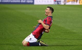 Riccardo Orsolini celebrates Bologna's first goal against Parma on 13 May 2019
