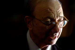 Playwright Neil Simon arrives for a program honouring him as the 2006 Mark Twain Prize recipient at the Kennedy Center in Washington, 15 October 2006