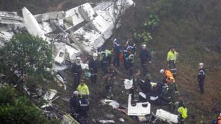 Pesawat jatuh di Medellin
