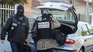 French police outside assailant's home in Chelles, a Paris suburb, 21 Apr 17