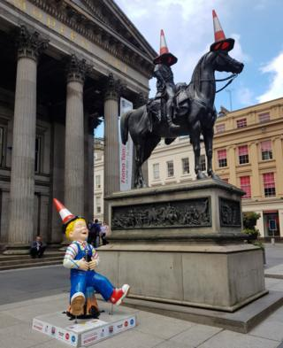 Myra Jordan sent in this picture of the new Oor Wullie bucket trail statue getting the traditional Glasgow treatment