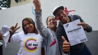 Venezolanos a favor del gobierno.