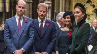 Royal-family-wear-poppies-for-service-of-remembrance
