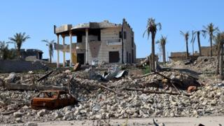 A destroyed house in the Husaiba district of Ramadi (10 February 2016)