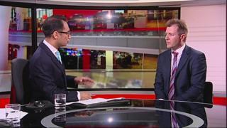 پارلمان بریتانیا امروز وضع اتباع این کشور را در زندانهای ایران بررسی کرد. دستکم دو ایرانی بریتانیایی در زندان اوین به سر میبرند.