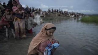 ชาวโรฮิงญาหลายแสนคนกำลังอาศัยอยู่ในค่ายผู้ลี้ภัยหลายแห่งในบังกลาเทศ