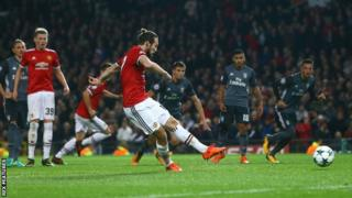 Daley Blind scores a penalty for Manchester United