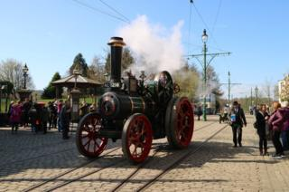 A road steam vehicle