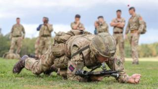 Di goment go also comot di limit for di number of Commonwealth citizens wey fit join di UK army