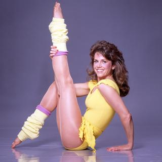Jane Fonda haciendo aerobicos