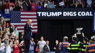 ترامپ در حمایت از زغال سنگ می گوید