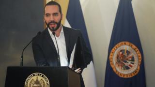 Crise na Venezuela: governo de El Salvador expulsa diplomatas nomeados por Maduro