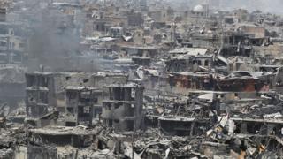 O estado de destruição da cidade antiga de Mossul no fim da ocupação do Estado Islâmico