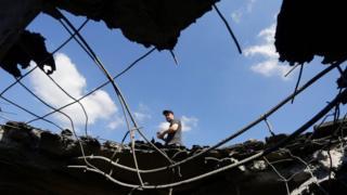 Большинство мирных жителей страдает от артиллерийских обстрелов
