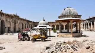 Dünyanın en büyük ve en eski camilerinden biri olan Halep Ulu Cami (22 Temmuz 2017)