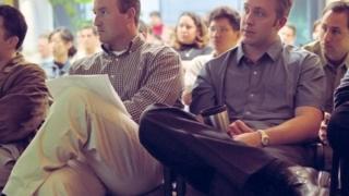 هل الخوف من التحدث أمام جمع من الناس يعيق تقدمك المهني؟