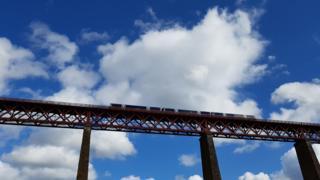 Train crosses the Forth Bridge