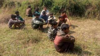 ကျောက်တော်ကနေ ရန်ကုန်ကိုသွားကြမယ့် မွတ်ဆလင် ၁၂ ဦးကို ရန်ကုန်-မန္တလေး အမြန်လမ်းမှာ ဖမ်းမိခဲ့
