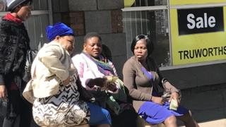 Money changers in Zimbabwe