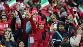 حضور تماشاگران زن در بازی پرسپولیس - کاشیما در پاییز سال ۱۳۹۷ بدون فروش بلیت و به صورت گزینشی بود