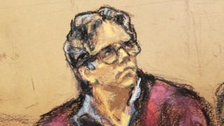Ilustración de Keith Raniere durante el juicio en su contra