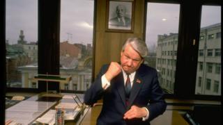 Ельцин в своем кабинете в 1989 году