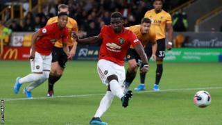 Paul Pogba manque son pénalty