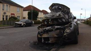 Cars burned in Knightswood