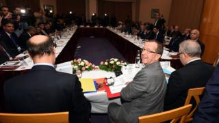 United Nations special for Libya, Martin Kobler (C) heads a meeting with warring Libyan factions on 10 December 2015 in Tunis.