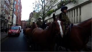 Коні Лондон