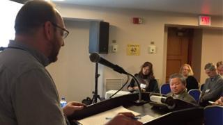 Nhà nghiên cứu Peter Zinoman phát biểu về sách Bên Thắng Cuộc ở hội thảo tại Mỹ