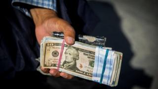 فروش دلار در ایران
