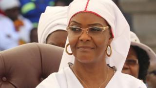 Grace Mugabe ayaa beertan samaysatay markii uu madaxweynaha ahaa ninkeedu