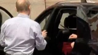 مسافر ناشناس اتوموبیل ولادیمیر پوتین