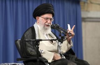 İran'ın dini lideri Ayetullah Ali Hameney