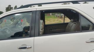राहुल गांधी की गाड़ी पर हमला