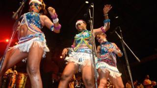 Femi dancers