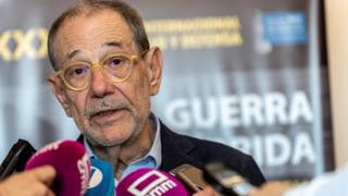 Javier Solana talking to the press, 20 June 2018
