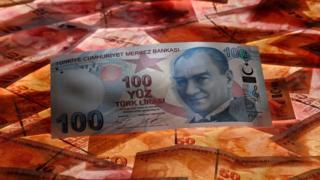 الليرة التركية تعرضت لانخفاض كبير في قيمتها
