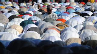 Tanzanian muslims at prayer