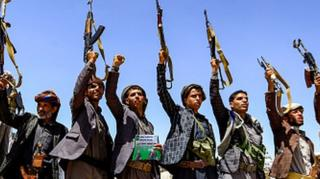 """در حالی حوثیها از به اسارت گرفتن """"هزارها"""" سرباز سعودی خبر دادهاند که به تازگی گزارشها از تمایل ریاض به آتش بس موقت در یمن حکایت داشته"""