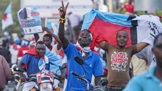 Abashigikiye umugambwe Chadema utavuga rumwe n'ubutegetsi bwa Tanzania mu bikorwa vyo kwiyamamaza mu 2015