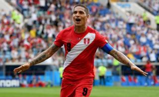Paolo Guerrero cumplió su sueño de marcar un gol en el Mundial con Perú.