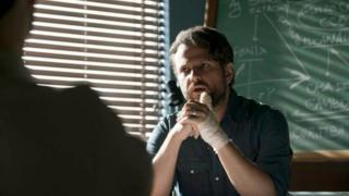 Selton Mello em imagem da série O Mecanismo, da Netflix