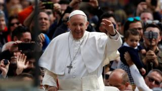 Pope meets crowd after Easter Mass in Vatican square