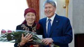 Kyrgyzstan's president Almazbek Atambayev at an awards ceremony for Kyrgyz mothers